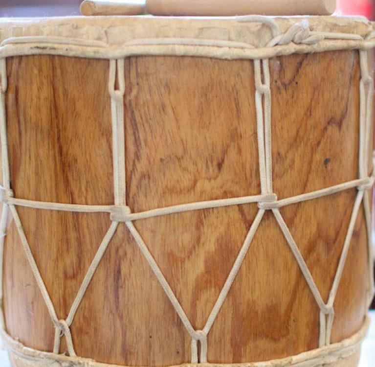 Caja o tambora panameña