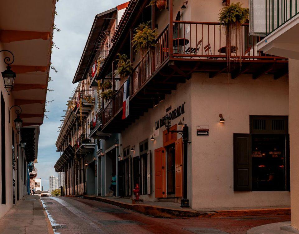 Calle de la Cruz (calle 9a) - Casco Antiguo