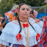 Pollera montuna - Festival del Tambor y la Pollera - Noviembre de 2014Pollera de gala - Desfile de las Mil Polleras - Enero de 2016