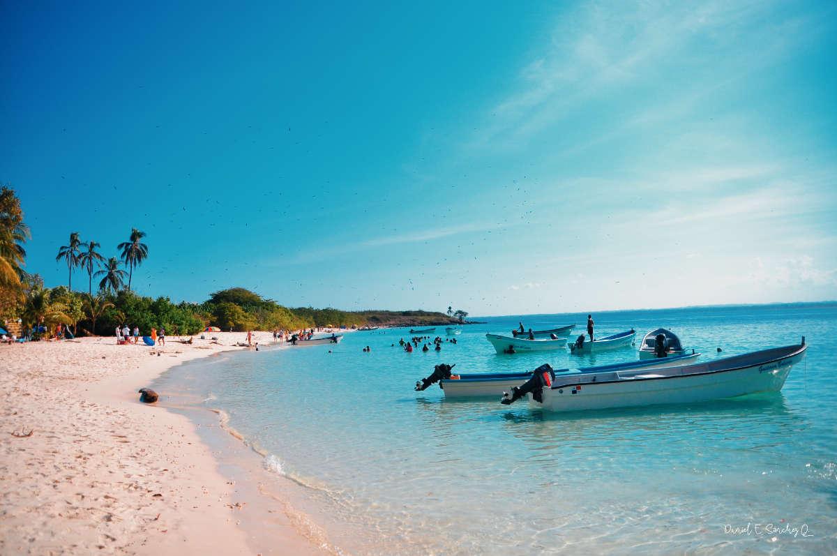 Playa en Isla Iguana, provincia de Los Santos