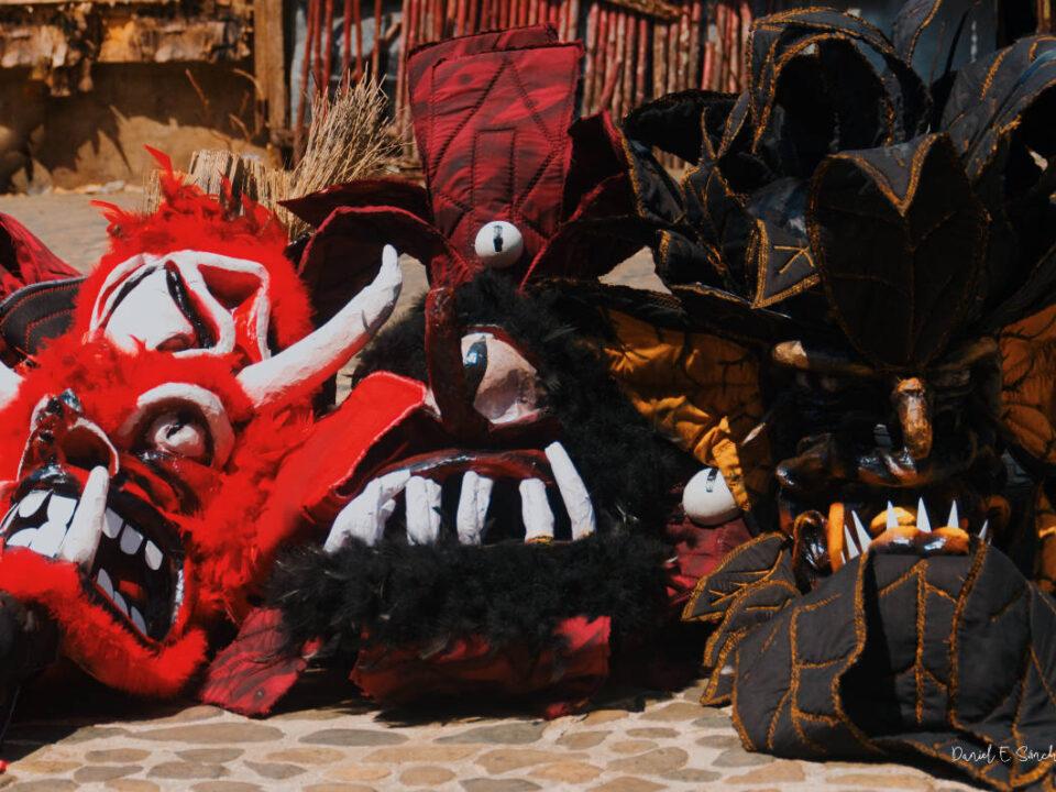 Máscaras de diablos congos