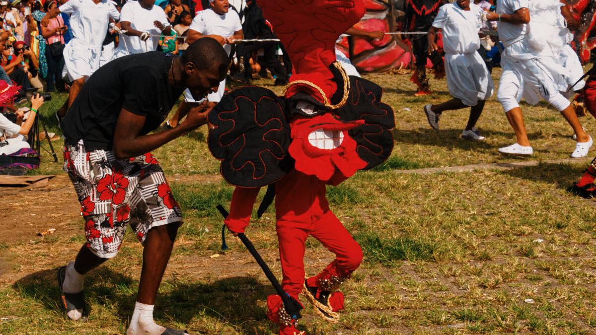 Niño vestido de Diablo Congo en Portobelo
